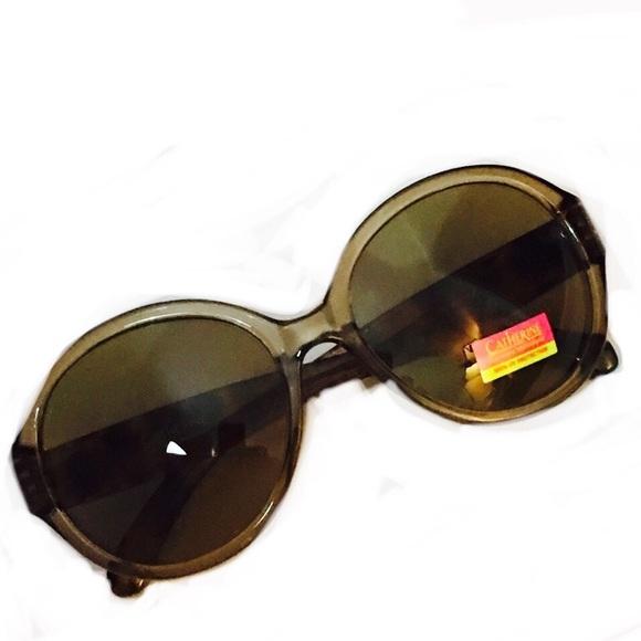 7e88e1f2f6e8e brown Catherine Malandrino round sunglasses